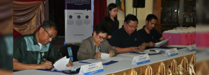 CHOOSING CLEANERGY. (From L-R) SURSECO 1 General Manager Joceler Moralda, SURSECO 1 Board President Pacinta Saligumba, Hedcor's  Vice president for operations and maintenance Rolando Pacquiao, and Hedcor Bukidnon Grid Manager Galen Alova signing the Renewable Energy Supply Agreement at SURSECO 1 main office in Bislig, Surigao Del Sur on Nov. 9, 2017.