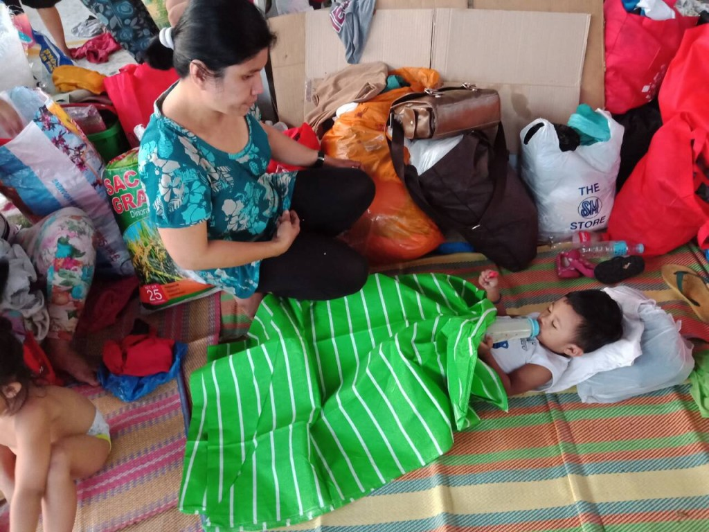 Babies feel warmth because of the blankets provided by the Aboitiz Foundation.