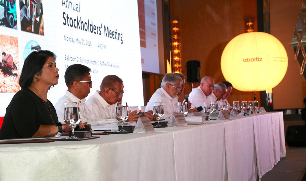 board presidential table