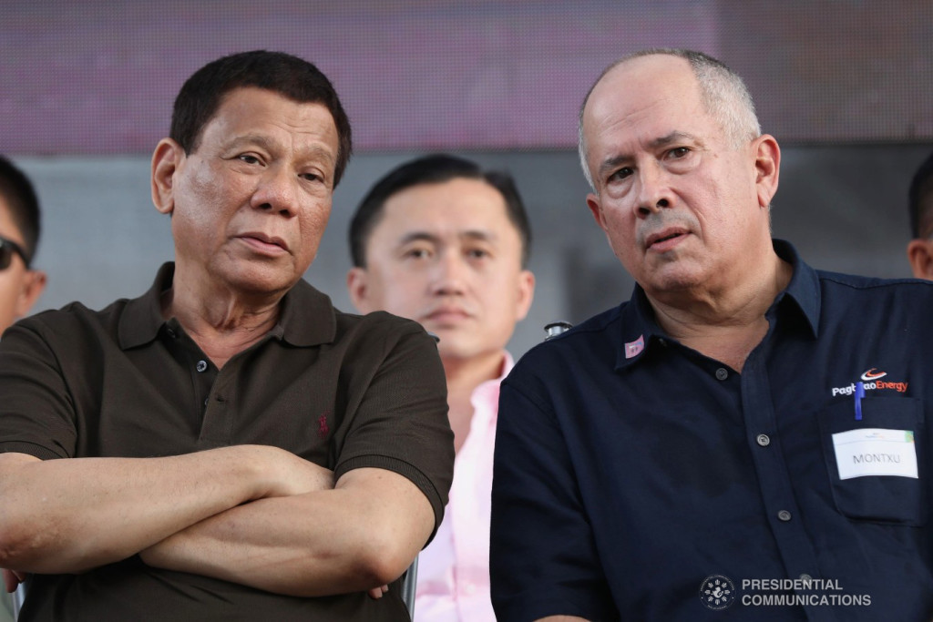 President Rodrigo Roa Duterte and Aboitiz Equity Adventures Chief Operating Officer Sabin Aboitiz witness the program proper during the inauguration of the 420-MW Pagbilao Unit 3 Power Project in Pagbilao, Quezon on May 31, 2018. Also in the photo is Sec. Bong Go of the Office of the Special Assistant to the President. ROBINSON NIÑAL JR./PRESIDENTIAL PHOTO
