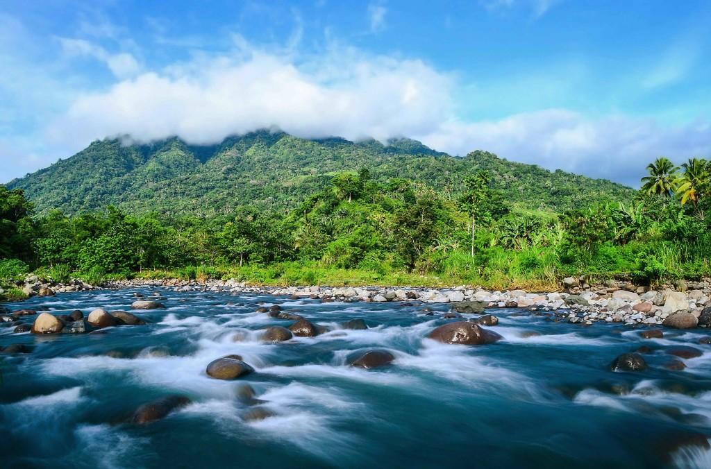 Apo Agua_Tamugan River with Mt. Tipolog