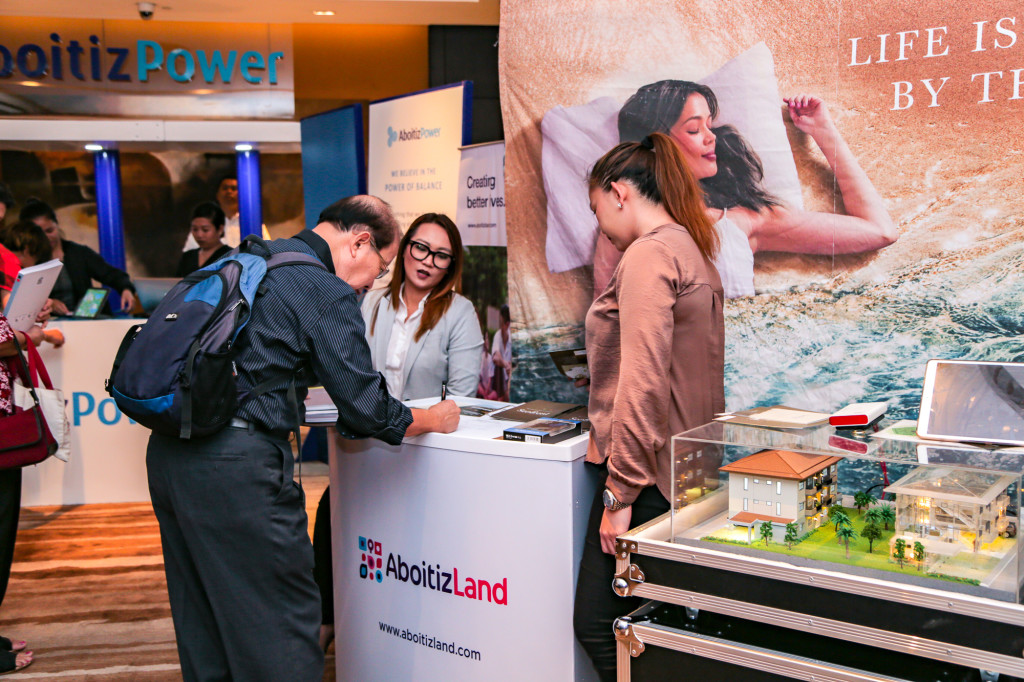 Guests and stockholders drop by AboitizLand's Seafront Residences booth, a featured exhibitor at the 2019 Annual Stockholders Meeting.
