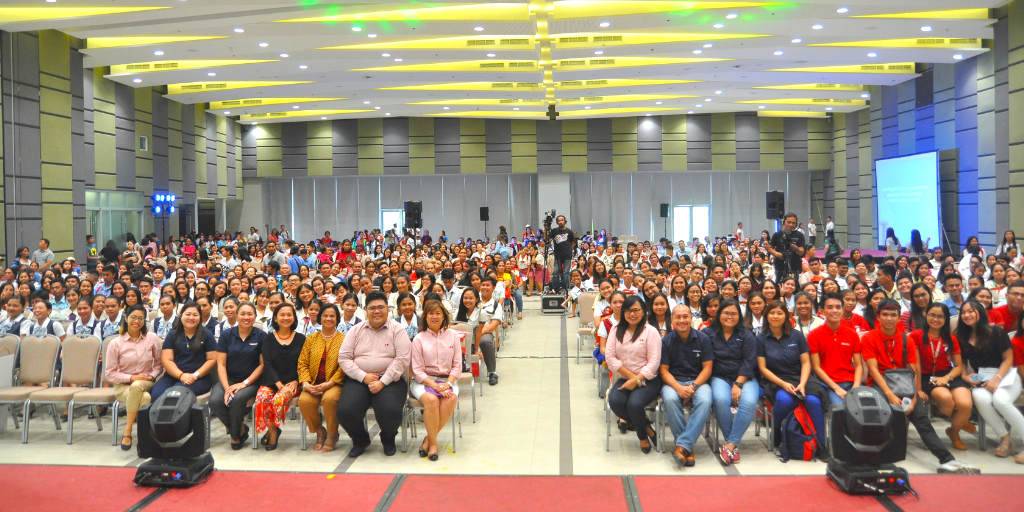 Participants during the High School General Assembly and Career Clinic, together with representatives from Aboitiz Foundation and Aboitiz.