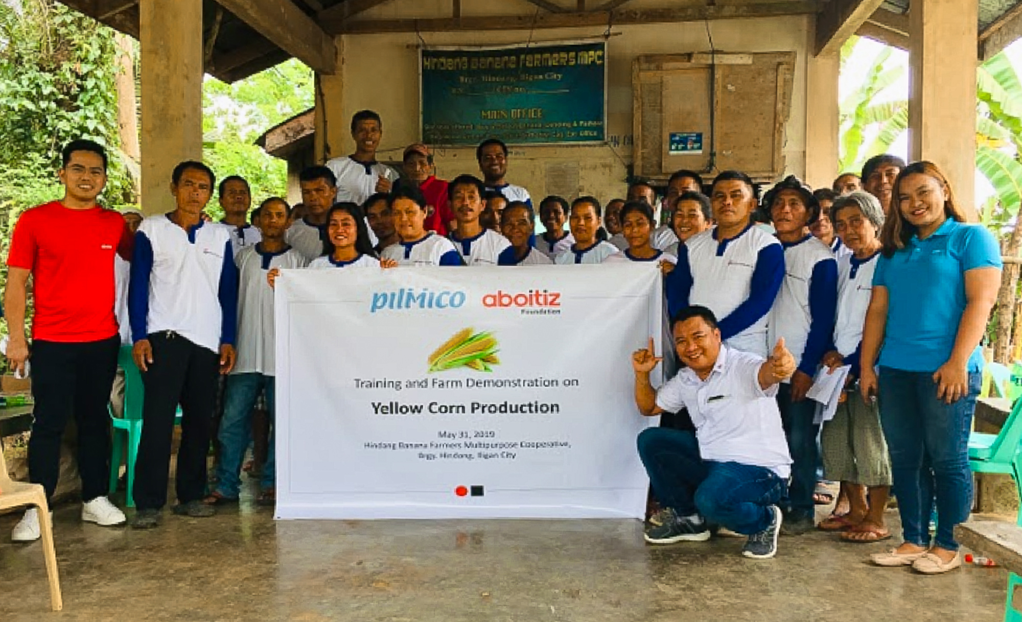 Members of the Hindang Banana Farmers Multipurpose Cooperative (Iligan City) during the pilot Training and Farm Demonstration under the new agri-preneurship joint project of Aboitiz Foundation, Pilmico, Jardine Distribution, and the Department of Agriculture.