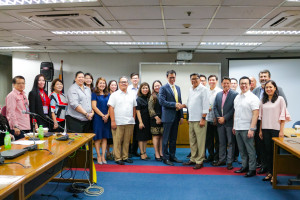 UnionBank Transaction Banking Head John Cary Ong and BIR Commissioner Caesar Dulay pose with other executives at the launch of the e-Payment facility at the bureau's office in Diliman, Quezon City.