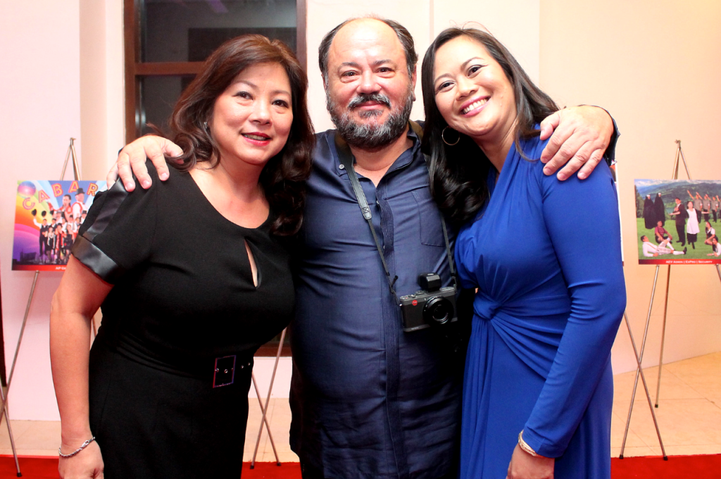 Annacel with former ATS VP for HR, Corp Comm & QCG and now APRI VP Chief Corporate Services Officer Noemi Sebastian and former ATS CEO and now AEV Chairman Endika Aboitiz.