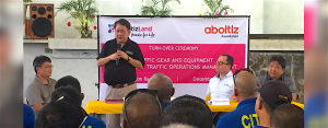 NURTURING CEBU. As a home-grown real estate developer, AboitizLand supports efforts in decongesting traffic and mitigating road accidents for a safer and more liveable Metro Cebu. Mayor Tomas Osmeña and AboitizLand President & CEO Andoni Aboitiz were at the special turnover ceremony held in the Brgy. Cogon Ramos Gym.