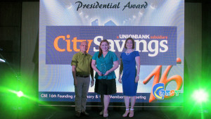 EDUCATION ADVOCATE: City Savings Bank (CitySavings) receives the Presidential Award from the Coalition for Better Education (CBE) at Golden Prince Hotel and Suites, Cebu City last August 05. The bank was represented by Reputation Management Head Paula Ruelan (center) and with her are CBE President Engr. Ruben Laraya (left) and CBE VP for External Affairs Paulette Liu (right).
