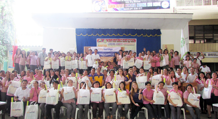 SUPPORTING CEBUANO EDUCATORS: Public school teachers from the Ramon Duterte Memorial National High School proudly show the teaching kits they have received from City Savings Bank – Head Office branch.