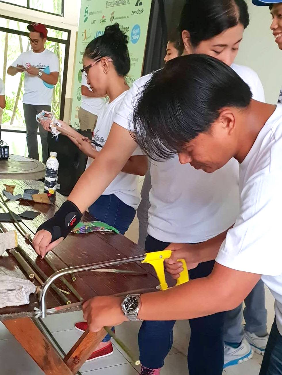 The activity also included a social enterprise demo. The CSR officers had the opportunity to make their own bamboo straws.