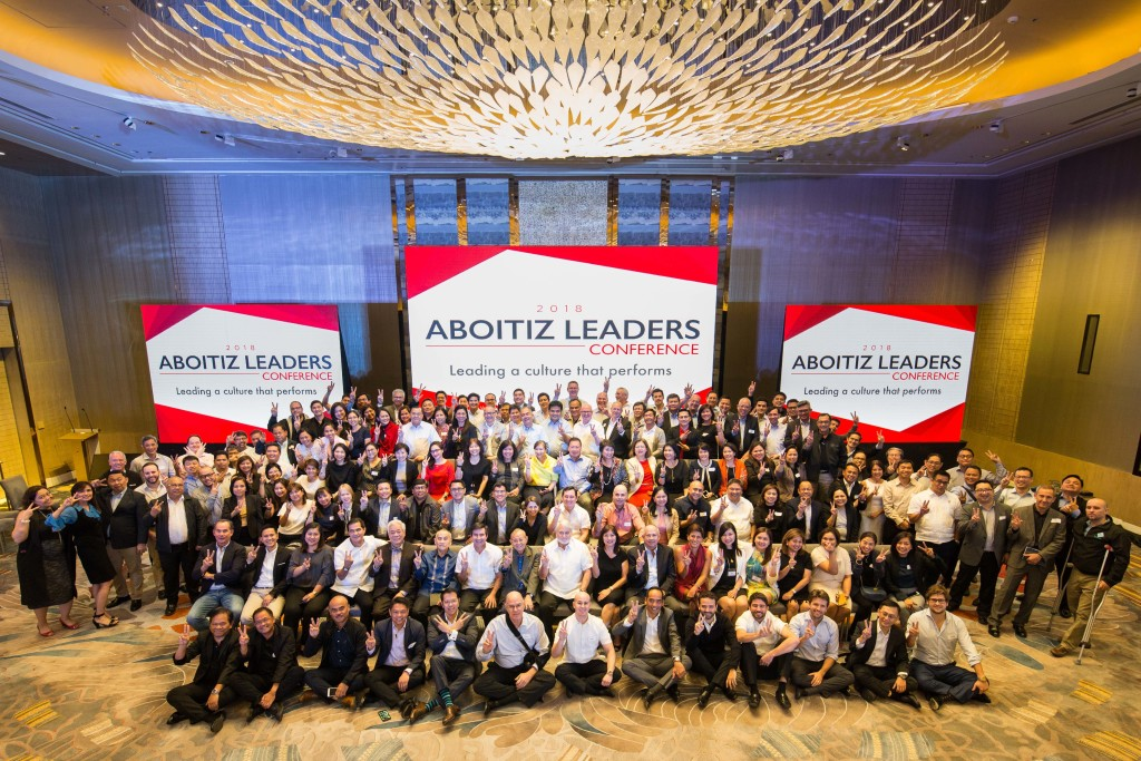Aboitiz Group team leaders with JRA at Aboitiz Leaders Conference, February 2018.