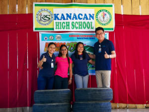 Apo Agua_Used Tires for School Landscaping