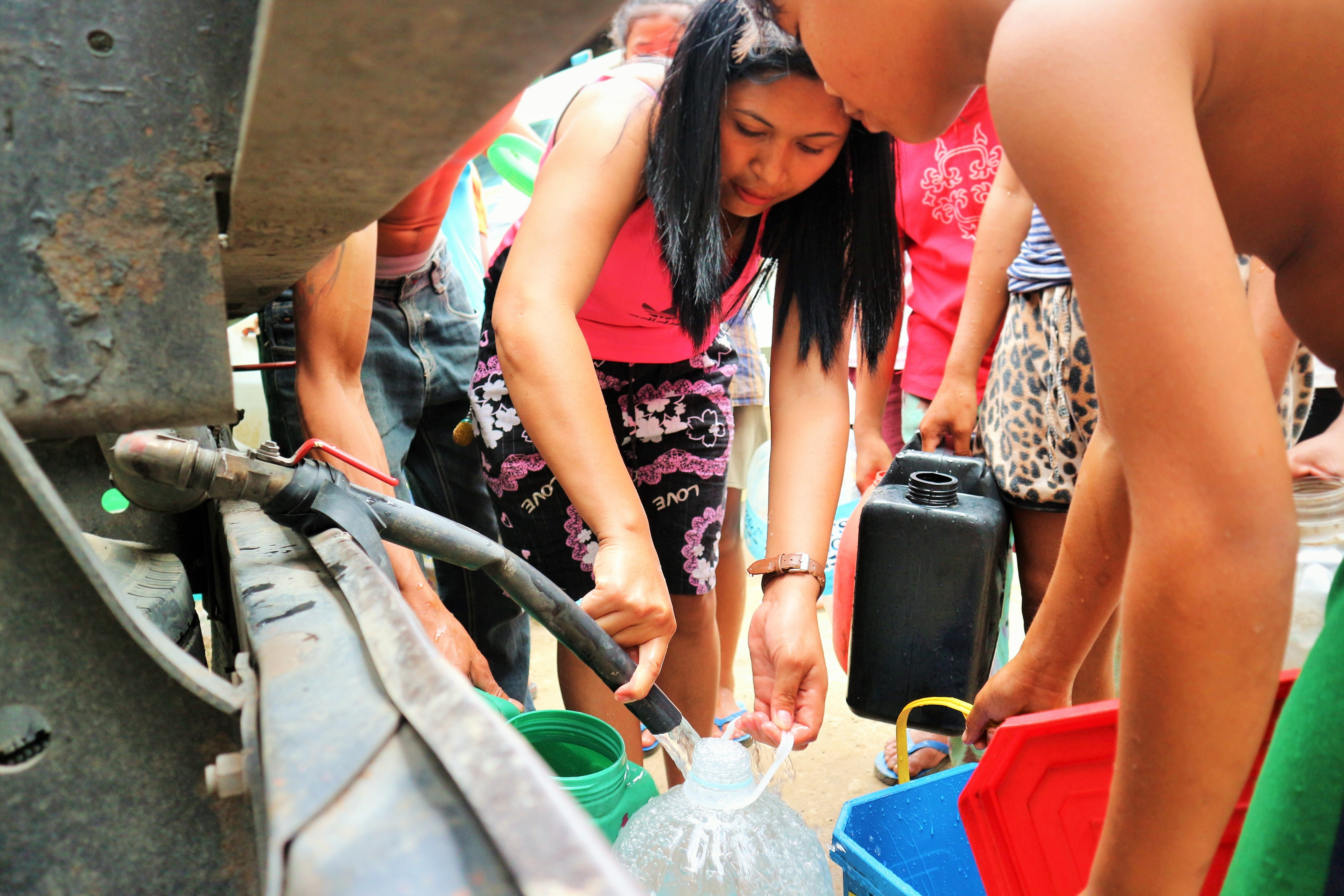 For the past four days, Aboitiz business unit Apo Agua had distributed 473,000 liters of water to various barangays in Kidapawan City and Municipality of Makilala, benefiting over 9,000 displaced families.